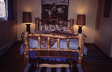 Aspen Log Bed, Queen